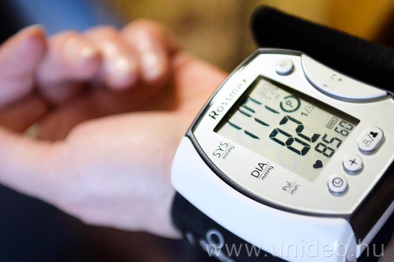 néma gyilkos hipertónia magas vérnyomás a stroke kockázata