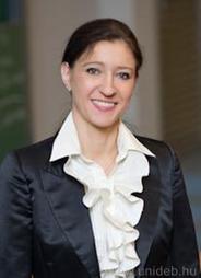 Dr. Veronika Szikora